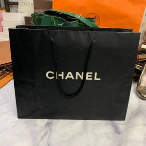 CHANEL Party Supplies - CHANEL gift bag